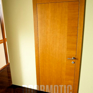 Фурнирована интериорна врата F-008