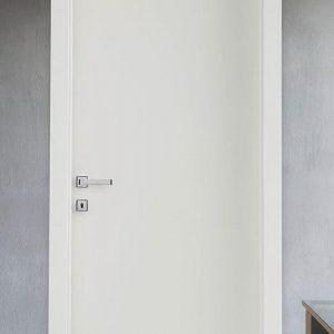 Лакирана интериорна врата L-012